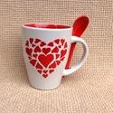 Szívből szívesen - Piros szíves bögre kanállal