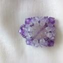 Lila köves medál variáció, Ékszer, Medál, Ékszerkészítés, Gyöngyfűzés, Nagy áttetsző lilás köves medál. Swarowszky kővekkel befoglalt lila medál.2,5 cm négyzet alakú., Meska