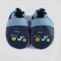 Trakoros kék puhatalpú cipő, Baba-mama-gyerek, Ruha, divat, cipő, Baba-mama kellék, Cipő, papucs, Bőrművesség, Hímzés, Puhatalpú bőr babacipők tizenegy méretben (9 cm-es belső talphossztól 21,4 cm-esig), újszülött kort..., Meska