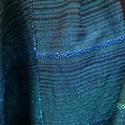 Türkiz stóla, Ruha, divat, cipő, Női ruha, Kendő, sál, sapka, kesztyű, Poncsó, Szövés, Türkiz stóla, benne fényes kékes-türkizes színekben játszó minta. Méret: 70x182 cm (+ 7 cm rojt)., Meska