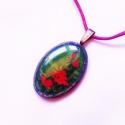 kézzel festett 3D-s tiffany üvegmedál,;Vörös rózsák, Ékszer, óra, Medál, Üvegművészet, Festészet, Valódi 3d-s technikával elkészített, zöld, tiffany üveg -alapra kézzel festett vörös rózsák. Hatásb..., Meska