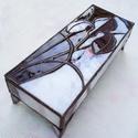 Tiffany Nőszirmos -ékszerdoboz, Otthon, lakberendezés, Ékszer, óra, Tárolóeszköz, Ékszertartó, Mindenmás, Üvegművészet, Kifinomult, elegáns díszdoboz szecessziós motívummal. Csillogó lakkréteg védi az üveget és forraszt..., Meska