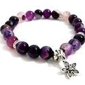 Purple stone karkötő virágos díszítéssel