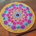 Virágszirmok selyem mandala, Ezt a mandalát egy 20 cm átmérőjű selyemre fe...