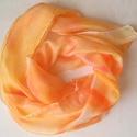 Napsárga tavaszi selyem sál, Ruha, divat, cipő, Kendő, sál, sapka, kesztyű, Sál, Festészet, 40*150 cm méretű hernyóselyem sál, vidám tavaszi színekben.  Napsárga és narancs árnyalatokban játs..., Meska