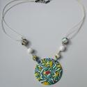 Színes dekoratív nyaklánc, Ékszer, Medál, Nyaklánc, Ékszerkészítés, Süthető gyurmából készítettem ezt a medált, amely mutatós, vidám színeivel hívja fel magára a figye..., Meska
