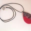 Meggypiros- szürke nyaklánc, Ékszer, Medál, Nyaklánc, Süthető gyurmából készítettem ezt a medált, amely a meggypiros és a szürke elegáns kombinációjából s..., Meska