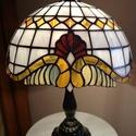 Tiffany lámpa, Dekoráció, Otthon, lakberendezés, Lámpa, Asztali lámpa, Tiffany lámpa. (barokk) A lámpaernyő átmérője:30cm. A lámpa teljes magassága:40cm. Bármilye..., Meska