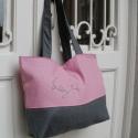 Szürke szövet-rózsaszín lenvászon táska hímzéssel, Táska, Válltáska, oldaltáska, Szürke szövet és rózsaszín belga lenvászon felhasználásával készült táska, hímzett dís..., Meska
