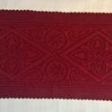 szűrrátétes terítő, Otthon, lakberendezés, Képzőművészet, Magyar motívumokkal, Textil, szűrrátétes terítő gyapjúfilcből készült. Mérete 62x27cm. boró alapon bordó rátét.  Ez..., Meska