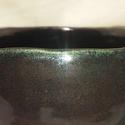 Titkolt szépség csawan, Képzőművészet, A fekete színű csawan színének látszólagos egysíkúsága becsapó, mert márványos mintázat..., Meska