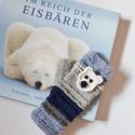 Jegesmedve - kék, fehér és szürke színekből kötött kézmelegítő levehető horgolt jegesmedve dísszel. Jöhet a tél!, Van egy kedvenc könyvem az Északi-sarkról és a...