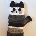 """Cirmos cica - hosszú, kötött kézmelegítő szürke, fekete és fehér árnyalatokból, Egy szürke """"pulcsis"""" cica kézmelegítő, egész ..."""