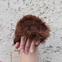 Sün kézmelegítő - barna kötött kézmelegítő süni arccal. Jöhet a tél!, Ruha, divat, cipő, Állatfelszerelések, Kendő, sál, sapka, kesztyű, Kesztyű, Kedvenceim a sünik. :-)  Kézzel kötöttem ezt a sünis kézmelegítőt, mely szabadon hagyja az ujjakat, ..., Meska