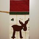 Rénszarvasos ajándékzsák, Dekoráció, Ünnepi dekoráció, Karácsonyi, adventi apróságok, Ajándékzsák, Varrás, Filc rénszarvas rátét mintával díszített karácsonyi mintás pamutvászonból készült ajándék zsák, nat..., Meska