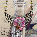 Virágangyal  (nyakék), Ékszer, Nyaklánc, Bronz és arany színű nyakék rózsaszínekkel, swarovski kristályokkal, különleges szárnyat formázó ala..., Meska