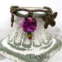Polett  (sáltű, kitűző, bross), Kitűző pillangókkal, és eperfa virággal, gyö...
