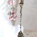 Fagyi  (Könyvjelző), Ezüstszínű kanálkával, rózsaszín és sok kr...