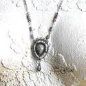 Emerencia (nyaklánc), Ékszer, Nyaklánc, Ezüst színű nyaklánc swarovski hasábokkal. Szürke kásagyöngy és  antikolt ezüst elemek. Különleges, ..., Meska