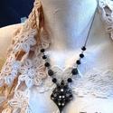 Ana nyaklánc, Ékszer, Ruha, divat, cipő, Nyaklánc, Bronz színű nyaklánc fekete gyöngyökkel és fémelemmel a láncban. Fekete és áttetsző kristályokkal dí..., Meska