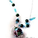 Virágos (nyaklánc), Ékszer, Nyaklánc, Ezüst színű nyaklánc csodás óriás porcelán medállal, melyet gyöngysipkával és lámpagyö..., Meska