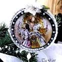 Gyertyaláng (dísz), Dekoráció, Karácsonyi, adventi apróságok, Dísz, Ünnepi dekoráció, 10 cm átmérőjű vintage gömb, merletto technikával,  kristályokkal, félgömb gyöngyökkel, varázslatos ..., Meska