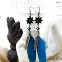Szárnyaló ( fülbevaló), Ékszer, Fülbevaló, Királykék-bronz - arany színű, lógós fazonú fülbevaló. Akril virágkehely, gyöngykupak, fém és kék to..., Meska