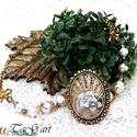 Aranyló álom (nyaklánc), Ékszer, Nyaklánc, Különleges, füstös arany nyakék, gyöngyökkel és sok kristállyal. A lánc 45-50cm. A medál ..., Meska
