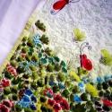 Pillangós kézzel festett tűzött falikép, Dekoráció, Otthon, lakberendezés, Kép, Természetese pamuttextilből készült quilt falikép virág és pillagómotívumokkal. A falikép három réte..., Meska