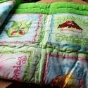Kivizöld babatakaró babaágynemű babaszett, eper muffin csésze motívumokkal kislány takaró  patchwork  kislány, Baba-mama-gyerek, Gyerekszoba, Falvédő, takaró, Takaró, ágytakaró, Varrás, Patchwork, foltvarrás, Extra minőségű textilek felhasználásával készült ez a pihepuha könnyű, természetes anyagokból álló ..., Meska