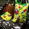 Papagájos  uzsonnás táska ovisoknak szendvicstartóval Készleten, Baba-mama-gyerek, Táska, Baba-mama kellék, Válltáska, oldaltáska, Sárga madaras textil táska, a bélése ugyanolyan mint a külső rész. Nagy méretű- kérésre a pontos mér..., Meska