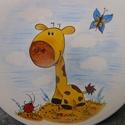 Kis zsiráf  pillangóval, Baba-mama-gyerek, Konyhafelszerelés, Bögre, csésze, Kerámia, 2 részből álló bézs alapszínű kerámia  gyermek étkészlet. Magastüzű kerámia alapra saját kézzel fes..., Meska