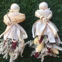 Csuhéból készült szárazvirággal, Dekoráció, Mindenmás, Kedves Érdeklődő!  Kukorica csuhéból készült babák magassága ~17 cm.   Szoknyájában szár..., Meska