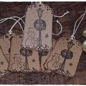 Vintage karácsonyi ajándékkísérő, Otthon & lakás, Karácsonyi, adventi apróságok, Ünnepi dekoráció, Dekoráció, Ajándékkísérő, Karácsonyi dekoráció, Karácsonyfadísz, Papírművészet, Vintage karácsonyi ajándékkísérő  A feltüntetett ár egy csomagra vonatkozik, mely 5 db-ot tartalmaz..., Meska