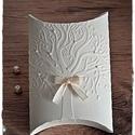 Szerelemfás ajándékdoboz L-es/Köszönetajándék/Pénzátadó, Esküvő, Naptár, képeslap, album, Meghívó, ültetőkártya, köszönőajándék, Nászajándék, Papírművészet, Szerelemfás ajándékdoboz L-es   Ha kisebb méretű  ajándékodat nem tudod, mibe csomagold, akkor ez a..., Meska