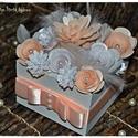 Papír Virágbox születésnap, névnap, Anyák napja, keresztelő,Valentin nap, Szülő köszöntő, Koszorúslány,Tanú felkérő , Esküvő, Otthon, lakberendezés, Anyák napja, Ballagás, 15 db virágból készült virágboxot készítettem, melynek minden egyes virágját saját kezűle..., Meska