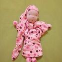 Pöttyön-pöttyös alvóka, Baba-mama-gyerek, Játék, Gyerekszoba, Baba-és bábkészítés, Varrás, Világos rózsaszínű alapon, barna, sötétebb rózsaszínű, és fehér pöttyös pamut anyagból készült alvó..., Meska