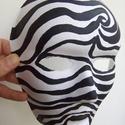 Maszk fekete-fehér, Farsangi jelmez, 18x24 cm-es maszkot fehér papír alapra  készítettem. Kézzel, fekete akrilfestékkel festettem. ..., Meska