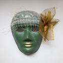 Álarc zöld, Farsangi jelmez, 18x24 cm-es méretű  álarc. Az álarcot akril festékkel papír alapra festettem. Díszítése: or..., Meska