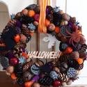 Halloween koszorú,kopogtató, Szalma alapra készítettem a koszorút tobozok,te...