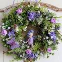 Tavaszváró virágkoszorú tündérrel, Ezt a kedves tavaszi koszorút sok zöld,bogyó,to...