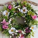 Gyöngyvirágos tavaszi koszorú, Ezt a kedves tavaszi koszorút sok apró virág é...