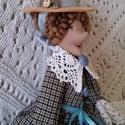 Boszi kék ruhában textil baba, Dekoráció, Otthon, lakberendezés, Dísz, 40 cm magas textil baba kalapban. Tilda szabásmintát átdolgoztam, magam elképzelése szerint alakítot..., Meska
