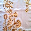 Rábaközi hímzés motívumaival, kézzel festett selyemsál, Magyar motívumokkal, Ruha, divat, cipő, Női ruha, Selyemfestés, 40x150 cm 100% selyem kézzel festett sál. A selyemsál mintáját a gazdag Rábaközi hímzés motívumvilá..., Meska