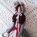 Kisasszony kalapban textil baba, Tilda baba szabásminta alapján, Dekoráció, Otthon, lakberendezés, Dísz, 50 cm magas textil baba, fa állvánnyal. Tilda szabásminta alapján, azt kicsit átdolgozva készítettem..., Meska