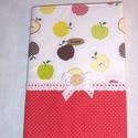 Recept gyűjtő füzet textil borítóval almás, Naptár, képeslap, album, Baba-mama-gyerek, Ballagás, Jegyzetfüzet, napló, Varrás, Szereted megőrizni a recepteket, írd bele egy szép textil borítóval ellátott füzetbe.  De készíthet..., Meska