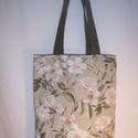 Virág mintás kis táska , Táska, Baba-mama-gyerek, Szatyor, Válltáska, oldaltáska, Varrás, Gyönyörű virág mintás vastagabb vászonanyagból készítettem ezt a táskát.  Oldalán és alján dupla va..., Meska