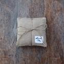 Beige levendula párna, Dekoráció, Esküvő, Otthon, lakberendezés, Mindenmás, Egy csomagban három egyforma levendula párna van. A levendula párnák varrásánál újra hasznos..., Meska