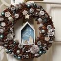 Joyeux Noel - téli ajtódísz, Dekoráció, Otthon, lakberendezés, Ajtódísz, kopogtató, Virágkötés, Rusztikus stílusban készitett havas, téli kopogtató, melyet a téli jeges házikók ihlettek.  A szalm..., Meska