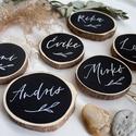Esküvői ültető fakorongból, Esküvő, Meghívó, ültetőkártya, köszönőajándék, Festett tárgyak, Famegmunkálás, Szeletelt faágból (fakorong) készült esküvői ültető. A korongokat akrilfestékkel festem színre egy ..., Meska